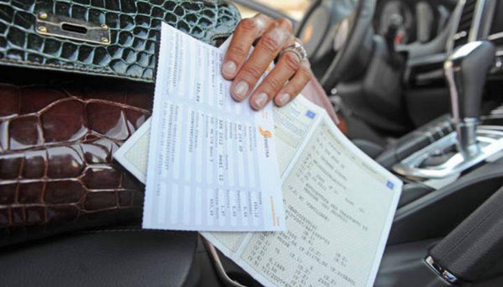 Di Maio: abolire il bollo auto con i risparmi dello spread - Foto 1 di 7