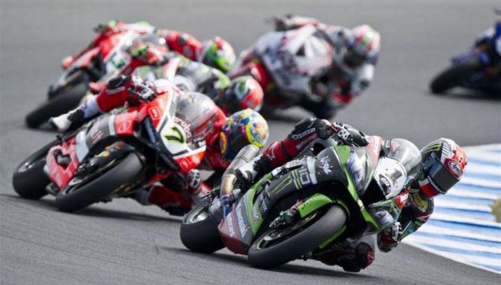 Superbike Aragon: la Ducati del gallese si aggiudica Gara 1 - Foto 2 di 5