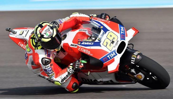 MotoGP: Marquez vince in Argentina, Rossi è secondo - Foto 8 di 15