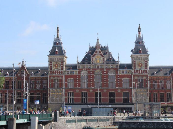 Olanda: vietate le auto a benzina e Diesel entro il 2025 - Foto 4 di 12