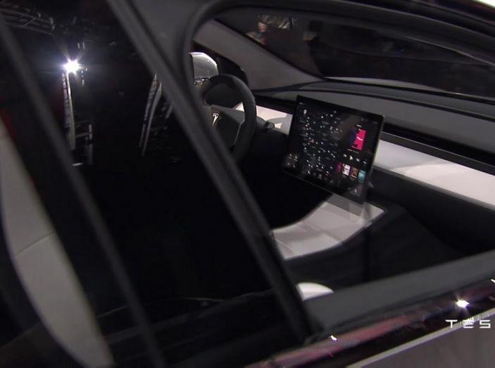 Tesla Model 3 prezzi, informazioni e dati tecnici - Foto 8 di 18