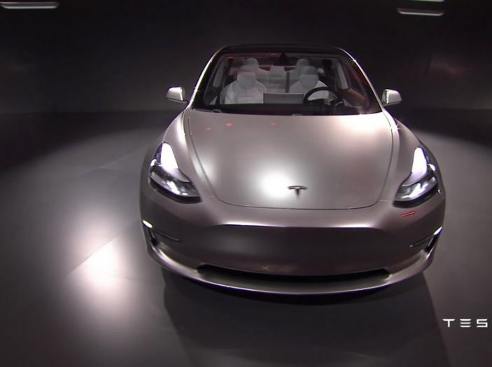 Tesla Model 3 prezzi, informazioni e dati tecnici - Foto 12 di 18