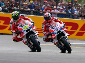 MotoGP 2016, Austria: trionfano le Ducati di Iannone e Dovizioso, Rossi quarto