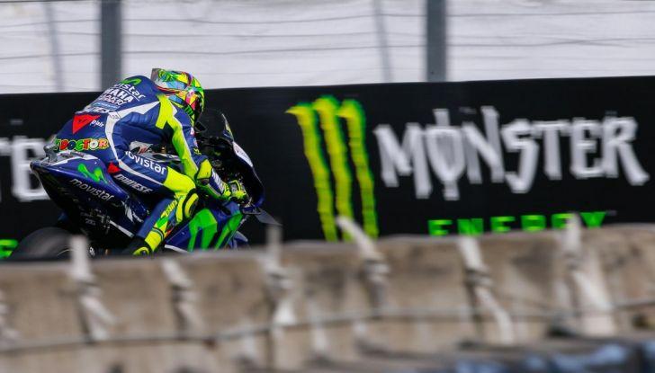 Valentino Rossi, frattura tibia e perone in allenamento: stagione finita - Foto 12 di 14