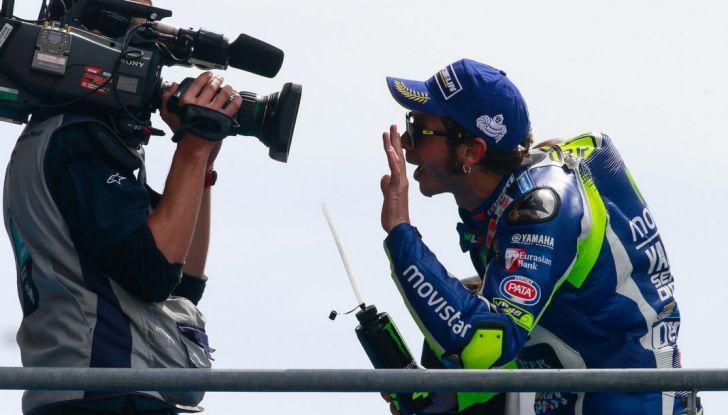 Valentino Rossi, frattura tibia e perone in allenamento: stagione finita - Foto 11 di 14