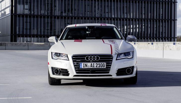 Audi A7 guida pilotata calandra