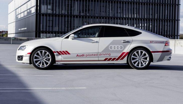 Audi A7 guida pilotata laterale