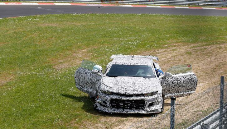 Chevrolet Camaro Z28, incidente al Nürburgring durante i collaudi (8)