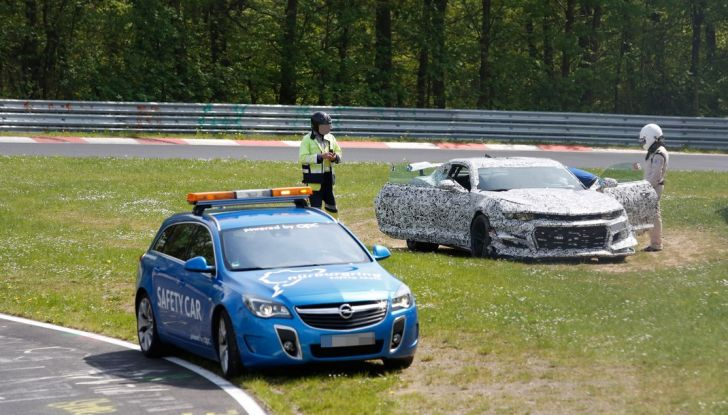 Chevrolet Camaro Z28, incidente al Nürburgring durante i collaudi (9)