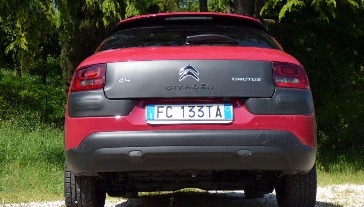 Citroen C4 Cactus posteriore BlueHDi 100 ETG6 la prova su strada, consumi e prestazioni (31)