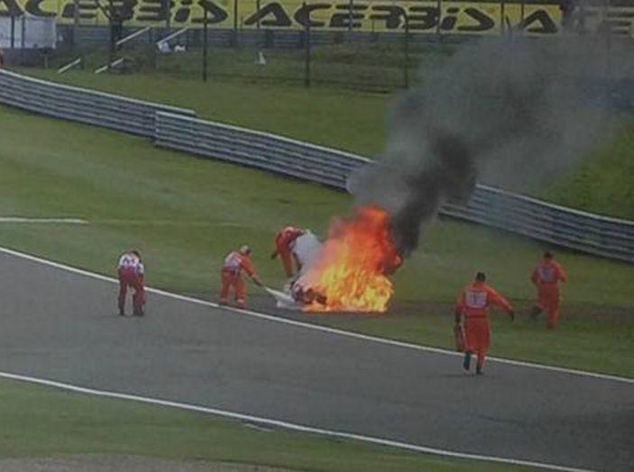 WorldSBK : sul Circuito di Donington Park la giornata è dominata dalle Kawasaki - Foto 1 di 6