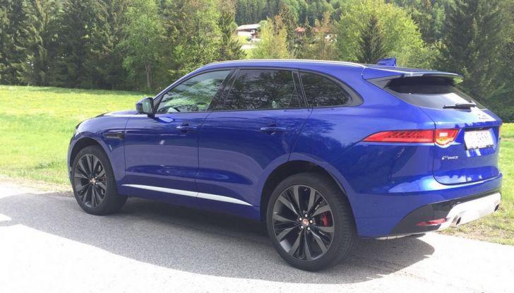 Jaguar F-Pace 3.0d e Supercharged: prova su strada, prezzi e prestazioni - Foto 2 di 23