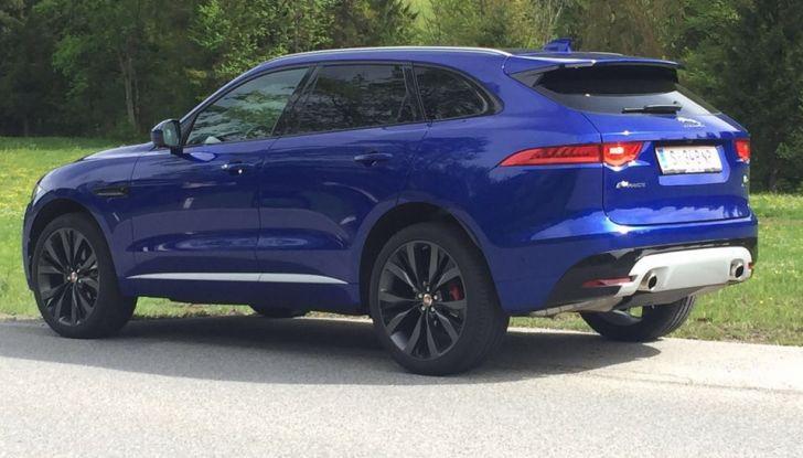 Jaguar F-Pace 3.0d e Supercharged: prova su strada, prezzi e prestazioni - Foto 5 di 23