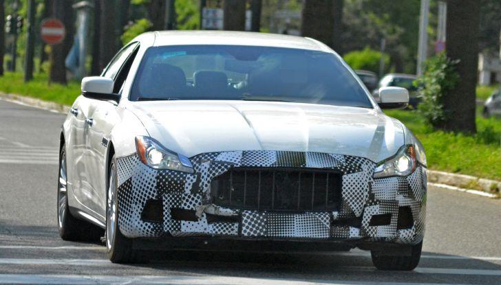 Maserati Quattroporte: le foto spia del restyling - Foto 10 di 10