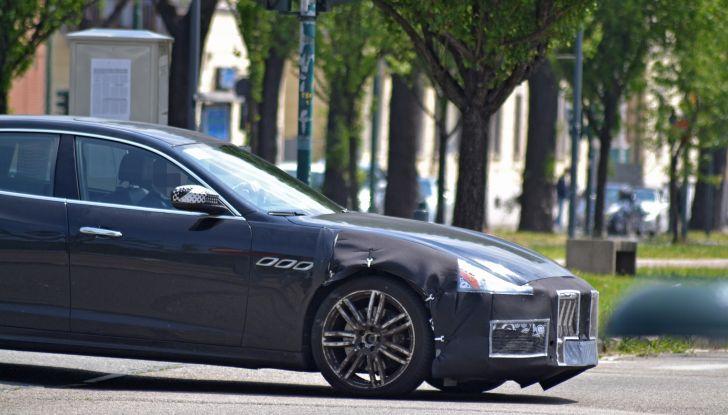 Maserati Quattroporte: le foto spia del restyling - Foto 4 di 10