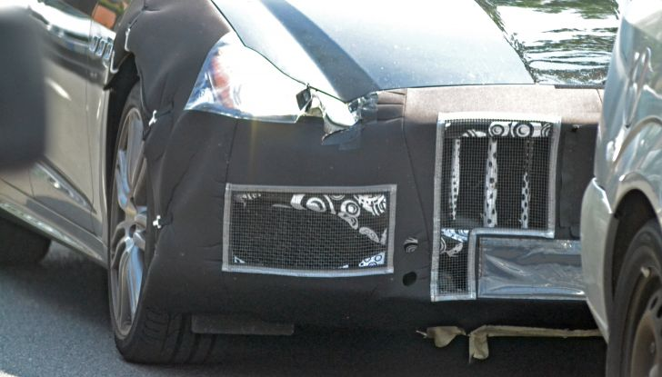 Maserati Quattroporte: le foto spia del restyling - Foto 5 di 10