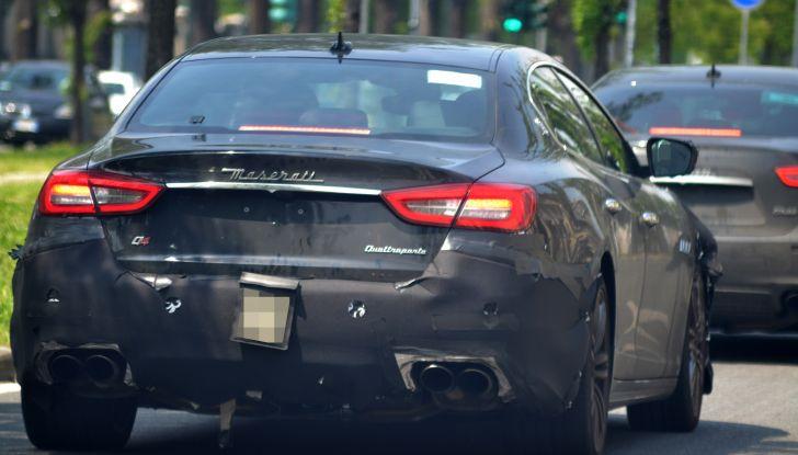 Maserati Quattroporte: le foto spia del restyling - Foto 7 di 10