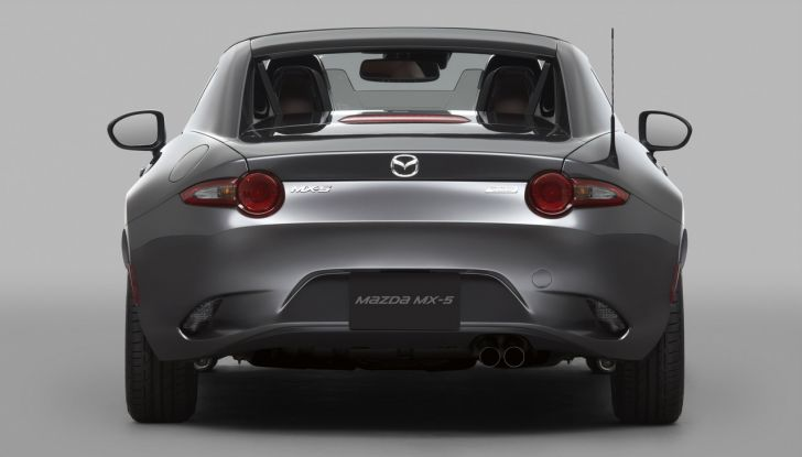 Mazda MX-5 RF: debutto europeo nel Regno unito a giugno - Foto 4 di 14