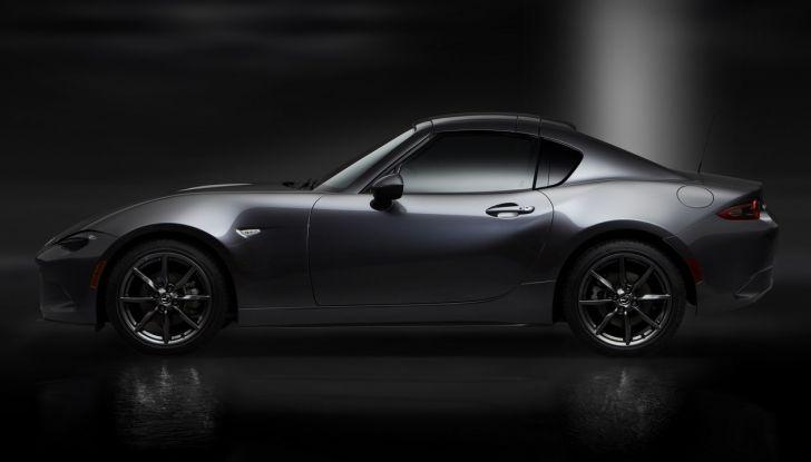 Mazda MX-5 RF: debutto europeo nel Regno unito a giugno - Foto 10 di 14