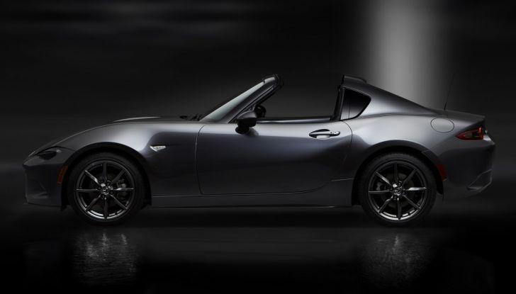 Mazda MX-5 RF: debutto europeo nel Regno unito a giugno - Foto 11 di 14