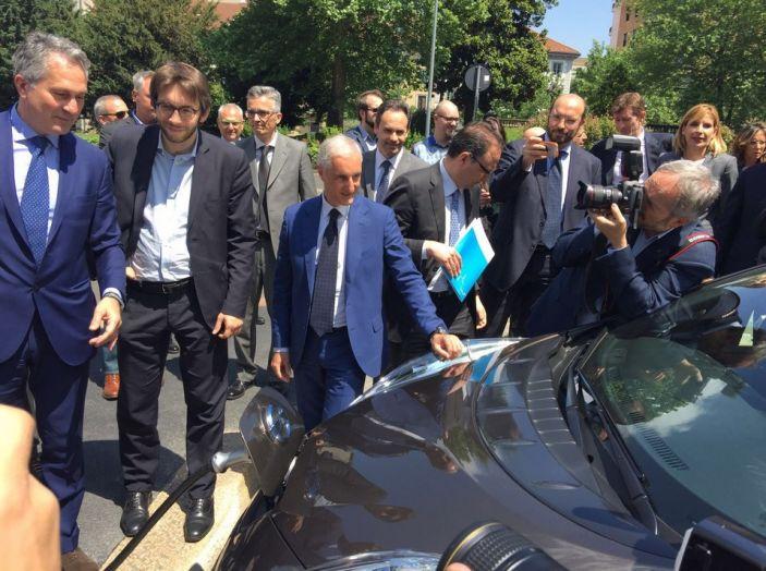 Nissan e A2A, inaugurate a Milano le prime colonnine pubbliche di ricarica rapida per i veicoli elettrici - Foto 8 di 21