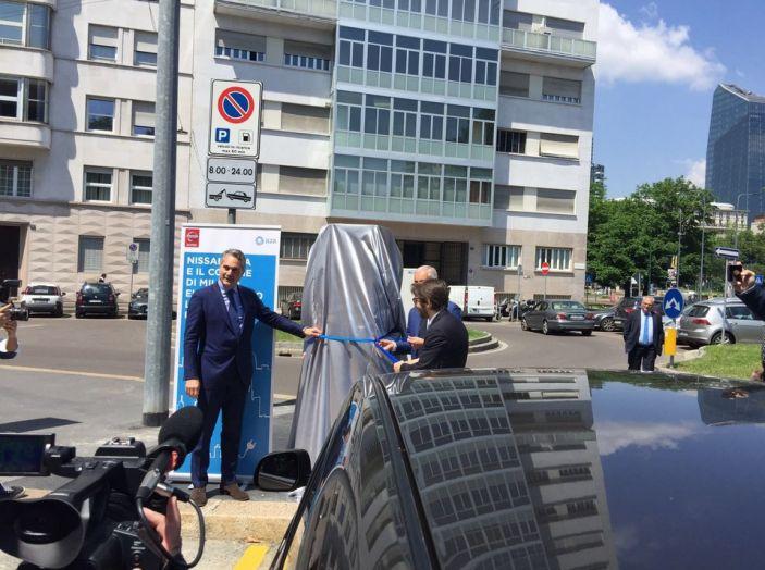 Nissan e A2A, inaugurate a Milano le prime colonnine pubbliche di ricarica rapida per i veicoli elettrici - Foto 9 di 21