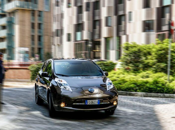Nissan e A2A, inaugurate a Milano le prime colonnine pubbliche di ricarica rapida per i veicoli elettrici - Foto 18 di 21