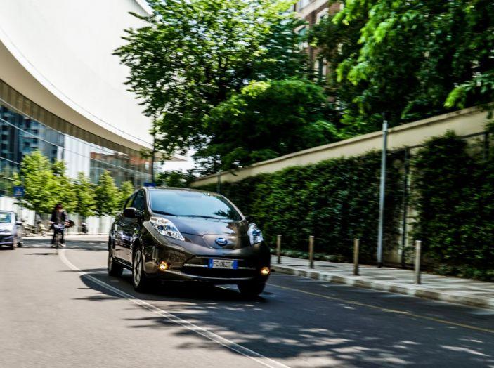 Nissan e A2A, inaugurate a Milano le prime colonnine pubbliche di ricarica rapida per i veicoli elettrici - Foto 19 di 21
