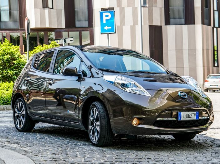 Nissan e A2A, inaugurate a Milano le prime colonnine pubbliche di ricarica rapida per i veicoli elettrici - Foto 20 di 21