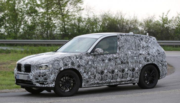 Nuova BMW X3: interni e dettagli nelle ultime foto spia - Foto 4 di 14