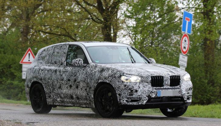 Nuova BMW X3: interni e dettagli nelle ultime foto spia - Foto 5 di 14