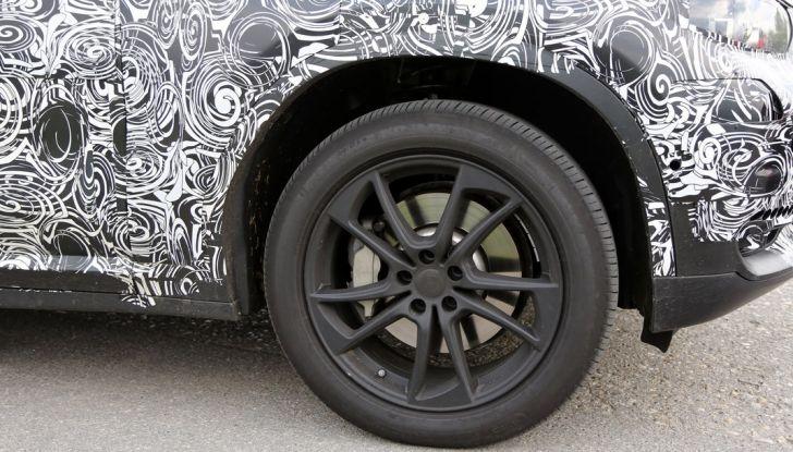 Nuova BMW X3: interni e dettagli nelle ultime foto spia - Foto 9 di 14