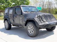 Jeep Wrangler, la nuova generazione sorpresa durante i collaudi