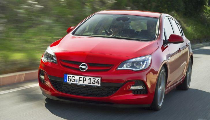 Nuova Opel Astra BiTurbo 5 porte con motore 1.6 BiTurbo CDTI da 160 CV - Foto 4 di 5