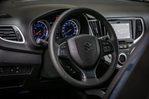 Nuova Suzuki Baleno S interni volante