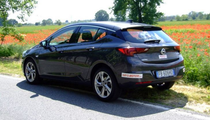 Opel Astra 1.6 CDTI Innovation: prova su strada, consumi e prezzi - Foto 5 di 25