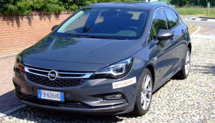 Opel Astra 1.6 CDTI Innovation: prova su strada, consumi e prezzi - Foto 3 di 25