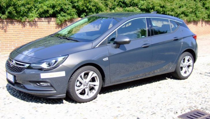 Opel Astra 1.6 CDTI Innovation: prova su strada, consumi e prezzi - Foto 15 di 25