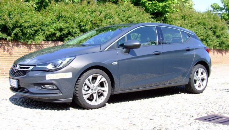 Opel Astra 1.6 CDTI Innovation: prova su strada, consumi e prezzi - Foto 16 di 25