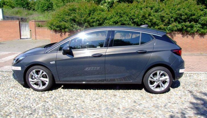 Opel Astra 1.6 CDTI Innovation: prova su strada, consumi e prezzi - Foto 17 di 25