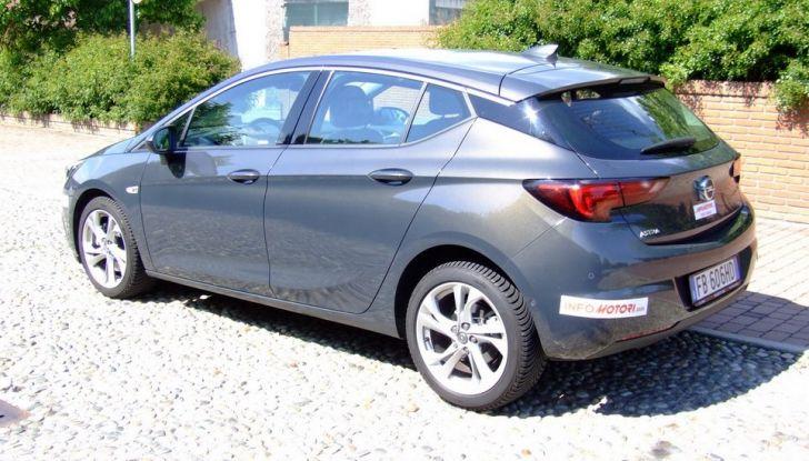 Opel Astra 1.6 CDTI Innovation: prova su strada, consumi e prezzi - Foto 20 di 25