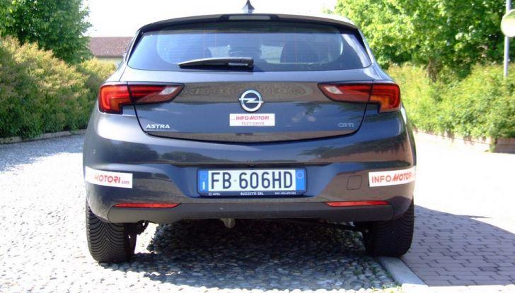 Opel Astra 1.6 CDTI Innovation: prova su strada, consumi e prezzi - Foto 23 di 25
