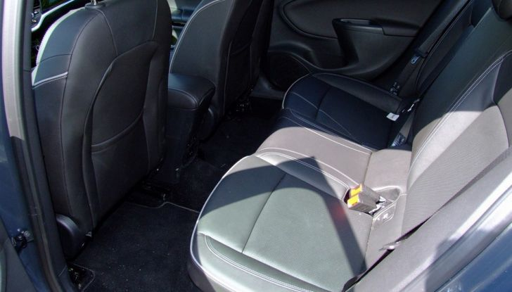 Opel Astra 1.6 CDTI Innovation: prova su strada, consumi e prezzi - Foto 7 di 25