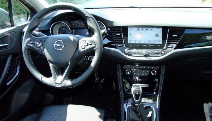 Opel Astra 1.6 CDTI Innovation: prova su strada, consumi e prezzi - Foto 18 di 25