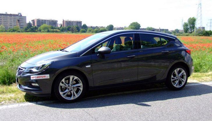 Opel Astra 1.6 CDTI Innovation: prova su strada, consumi e prezzi - Foto 19 di 25