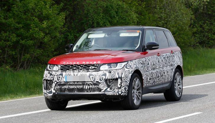 Land Rover Range Rover Sport: ecco le foto spia del restyling - Foto 2 di 7