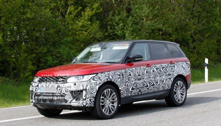 Land Rover Range Rover Sport: ecco le foto spia del restyling - Foto 3 di 7
