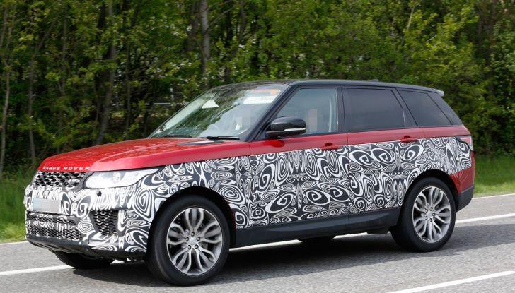 Land Rover Range Rover Sport: ecco le foto spia del restyling - Foto 4 di 7