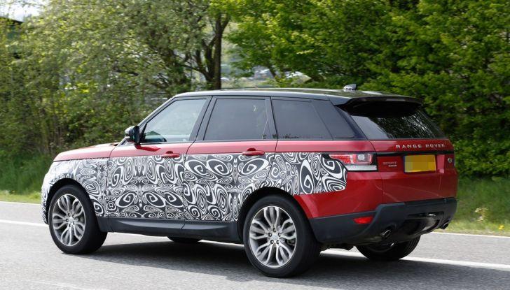 Land Rover Range Rover Sport: ecco le foto spia del restyling - Foto 5 di 7