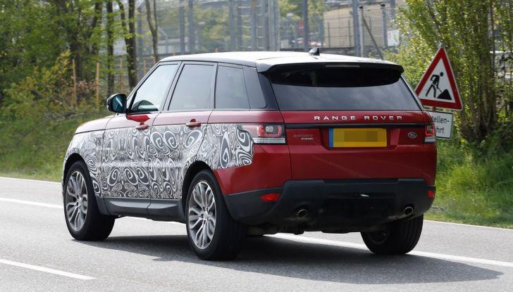 Land Rover Range Rover Sport: ecco le foto spia del restyling - Foto 6 di 7